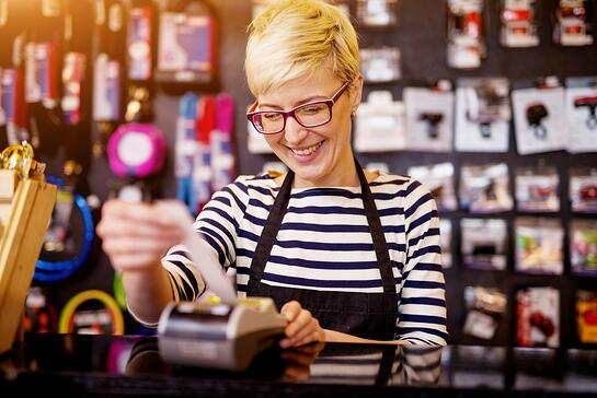 Cashier-Woman-Checkout-istock