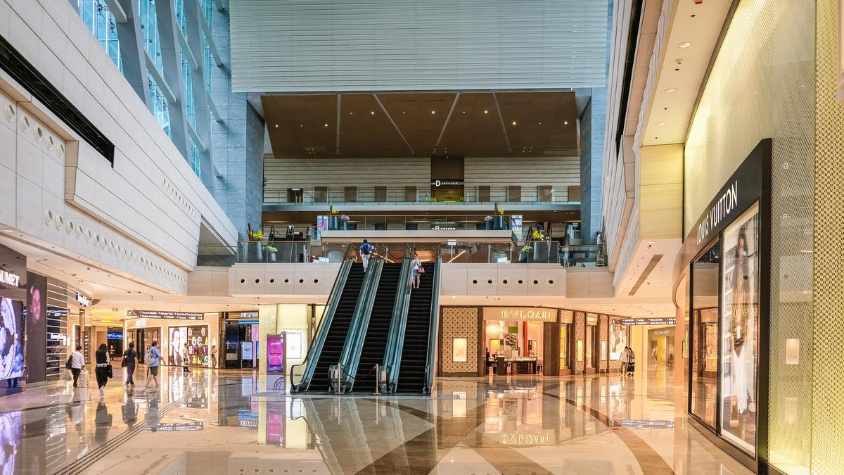 photo-of-shopping-mall-2861655